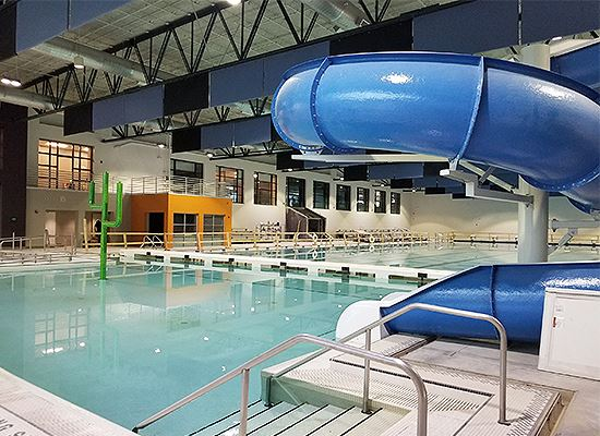 Oak Point Center pool